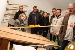 Ausloten im schiefen Haus in Lingelbachs Scheune | Offensichtlich.de