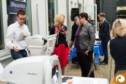 Ministerin Schwesig informiert sich bei Jana über moderne Optometrie | Offensichtlich Berlin