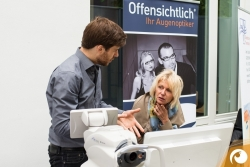 Torsten erklärt die Ergebnisse der Netzhautbilder | Offensichtlich Berlin
