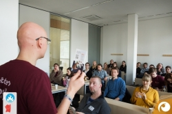 Hier ist Martin Fache @Myrbel, einer der Gründer des Barcamp Erfurt, bei seiner Session