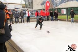 2016-01-Buegeleisen-Curling-Berlin-02-Voller-Einsatz-schon-am-Start-Offensichtlich