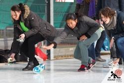 Die letzten Startvorbereitungen laufen  | Bügelseisen Curling / Round Table 44 Berlin