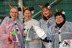 Ein Teamfoto von den tollen Ladys vom Team PowerPuff Girls | Bügelseisen Curling / Round Table 44 Berlin
