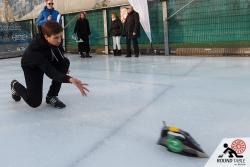 Halbfinale – Torsten von den Eyesbären wirft …  | Bügelseisen Curling / Round Table 44 Berlin