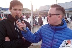 Torsten brilliert in der Zwischenzeit (gekonnt) am Mikrofon | Bügelseisen Curling / Round Table 44 Berlin
