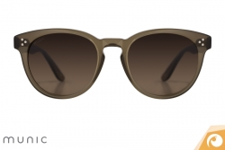 Klassische Sonnenbrille für Damen von Munic Eyewear Mod7 c.414 auf | Offensichtlich Berlin