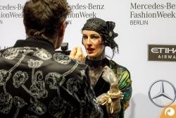 Sarah Settgast Rolfe Schneider Offensichtlich FashionWeek FRAMERS MAISONNOEE