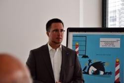 ars Müller erklärt den Unterschied von Standard Gläsern zu Freiform-Technologie | Carl Zeiss