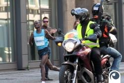 Der Führende zirka 3km vor dem Ziel | 34. Berliner Halbmarathon