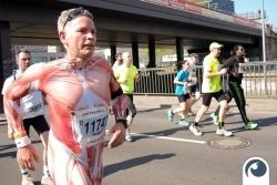 Muskelmänner - Mit Spaß dabei | 34. Berliner Halbmarathon