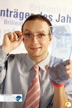 Wigald Boning ist gleich Brillenträger des Jahres 2005/06 geworden | Offensichtlich.de