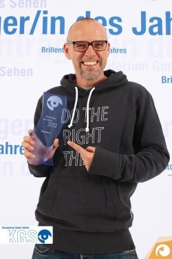 2012 kürte das Kuratorium gutes Sehen den fantastischen Thomas D zum Brillenträger des Jahres | Offensichtlich.de