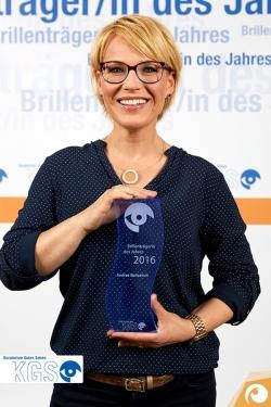 Moderatorin Andrea Ballschuh war Brillenträgerin des Jahres 2016 | Offensichtlich.de