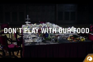 Offensichtlich unterstützt Greenpeace Spot: Don't play with our food!